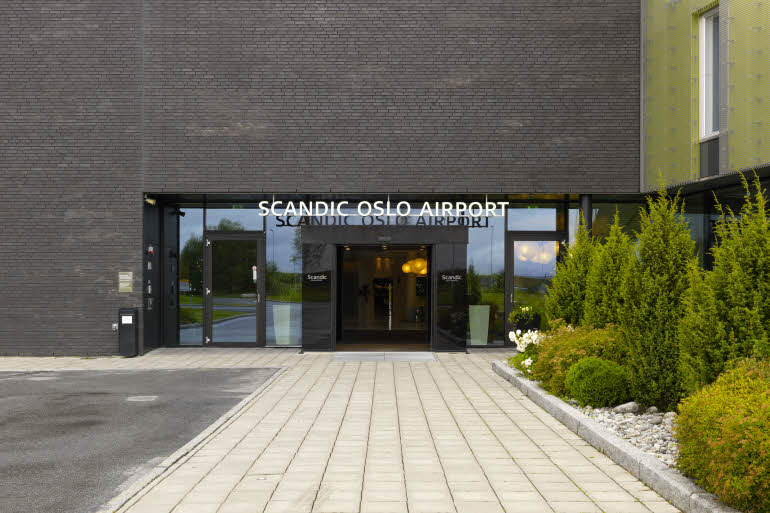 scandic-osloairport-entrance-2